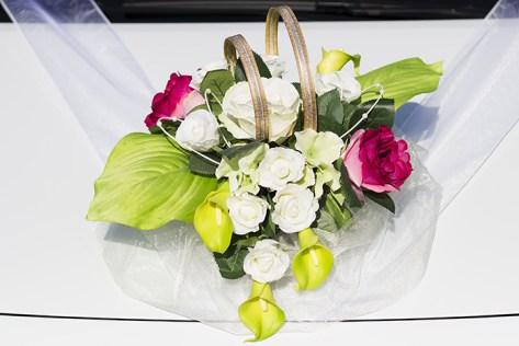 Svadobní dekorácia na auto pre nevestu