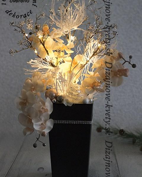 LED dizajnová dekoratívne väzba vo veľkej nádobe.