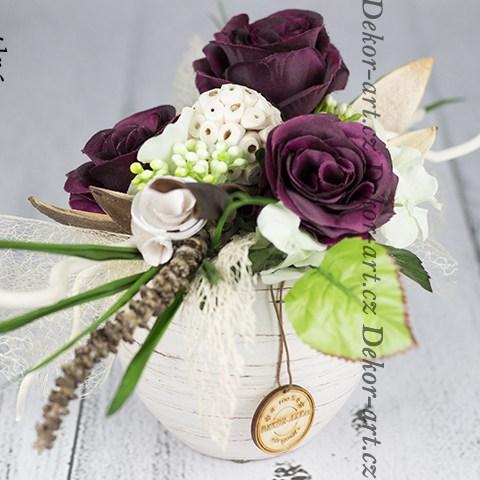 Moderný dizajn krásnych ruží.