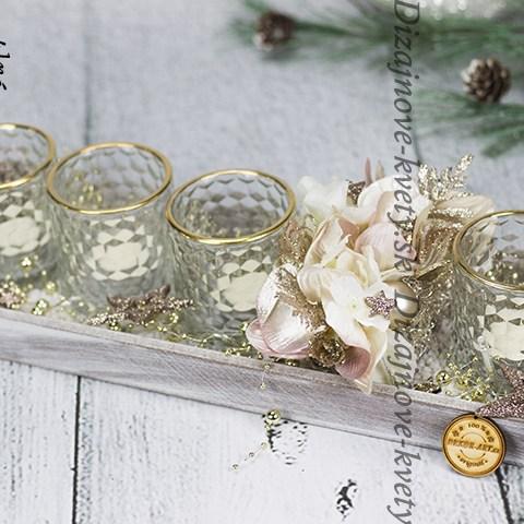 Luxusný dizajn svietnika na čajové sviečky.