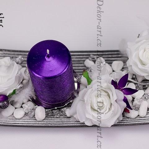 Moderný vianočný fialový krásny svietnik patina