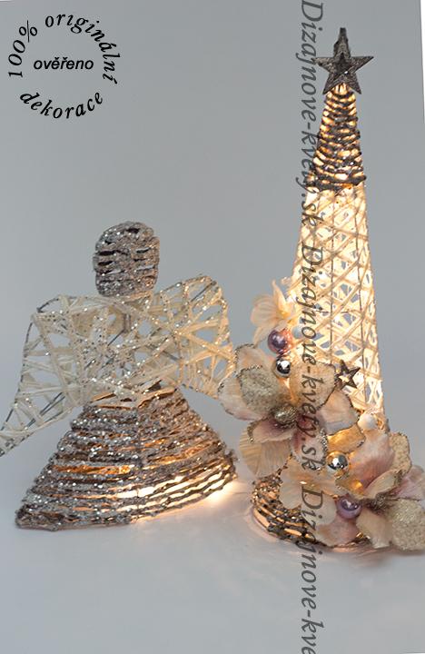 Vianočná sada moderných dekorácií vianočný stromček a anjel