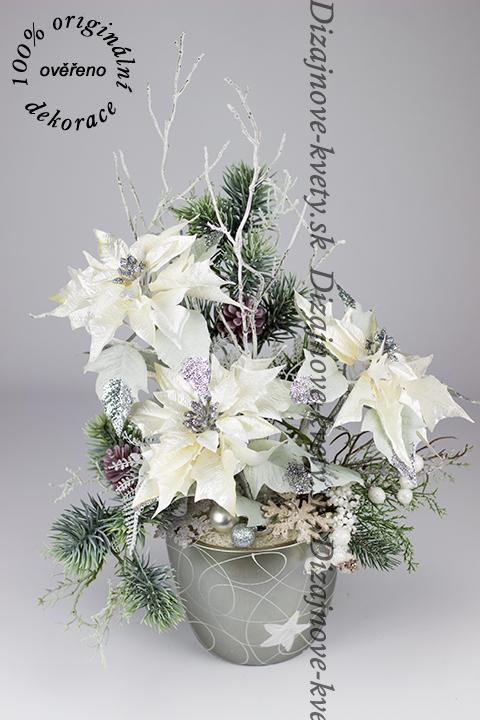 Zimný dizajnový aranžmán kvety vianočné ruže a borovíc