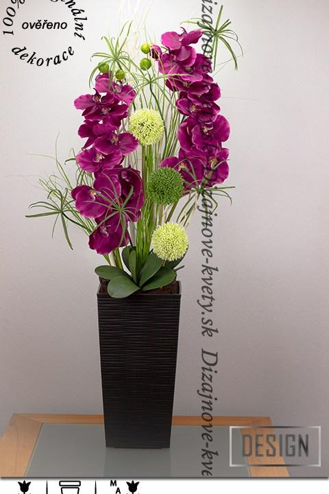 Luxusná veľká orchidea nielen do haly