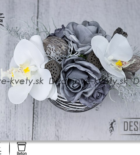 Dizajn zebra so šedými ružami