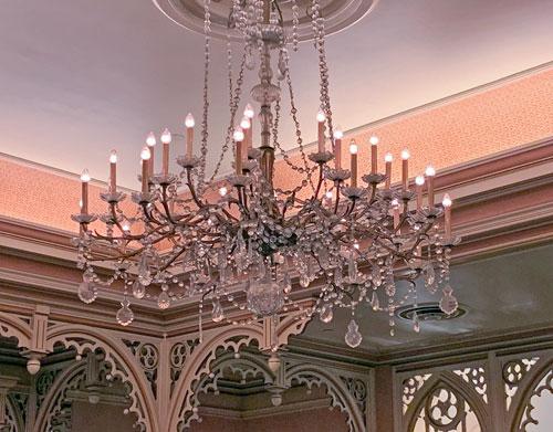 Candle like glass chandelier at Plaza Inn Restaurant in Disneyland