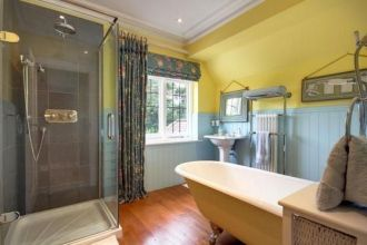 35+ The Appeal Of Yellow Bathroom Decor 215
