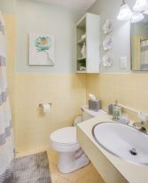 35+ The Appeal Of Yellow Bathroom Decor 74