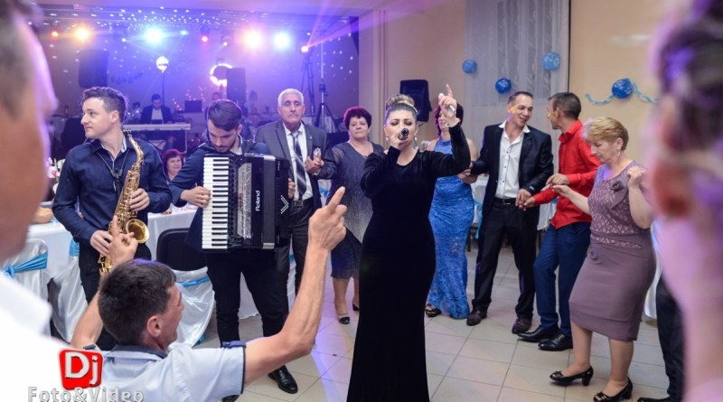 Formatie pentru Nunta sau Botez - Diana Golosie