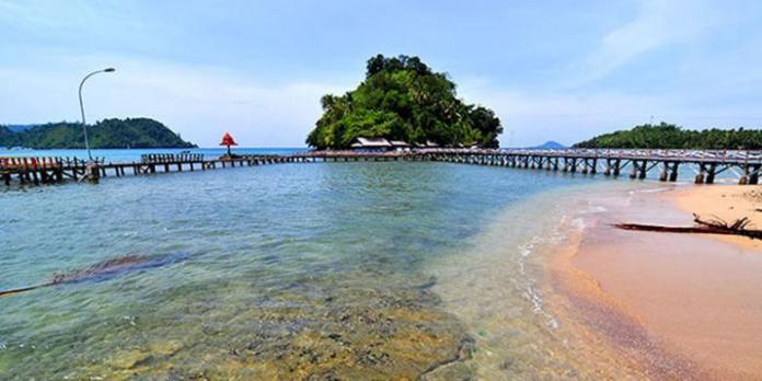 Pantai Carocok Sumatera Barat, Surga Tersembunyi Pulau ...