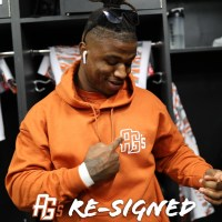 Austin Gilgronis Re-Signs Rodrick Waters