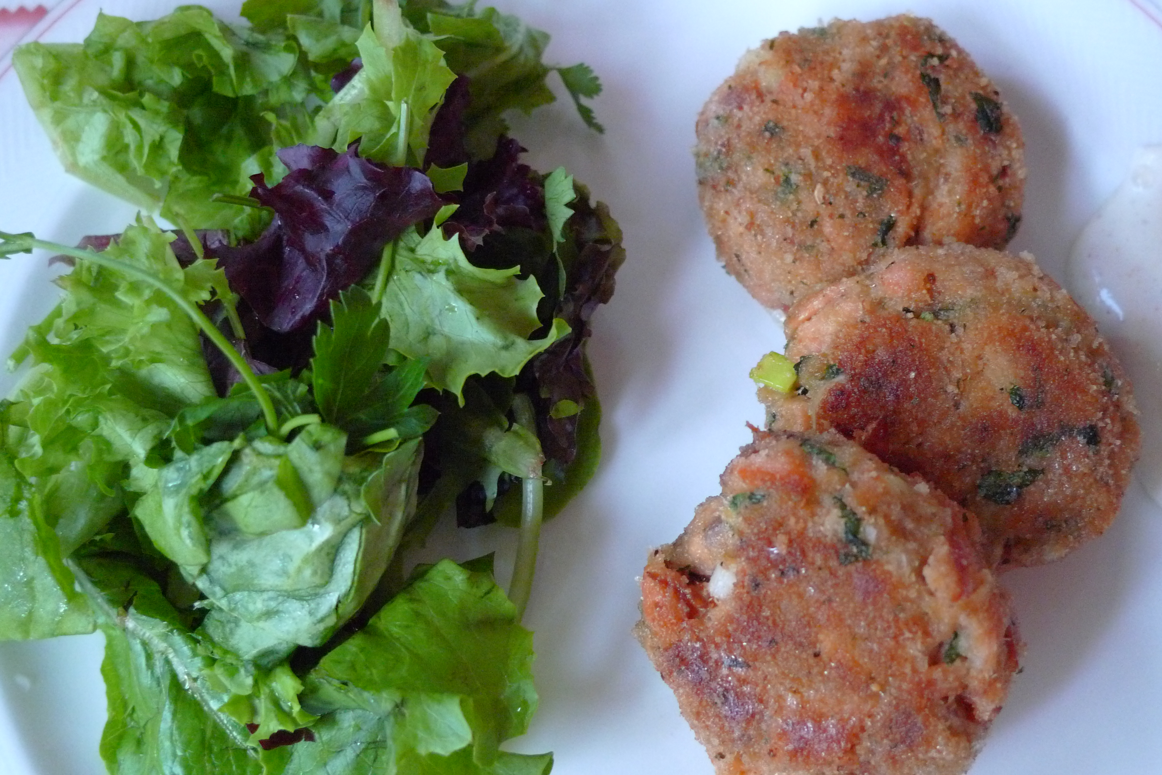 salmon cakes with herb salad