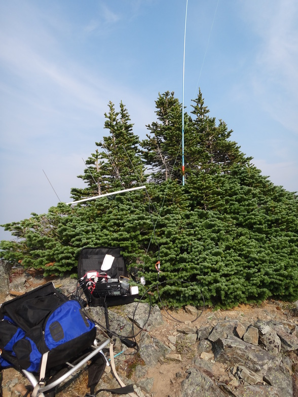 Operating position on the south end of the activation zone with the longwire antenna up and the VHF and microwave antennas taken down
