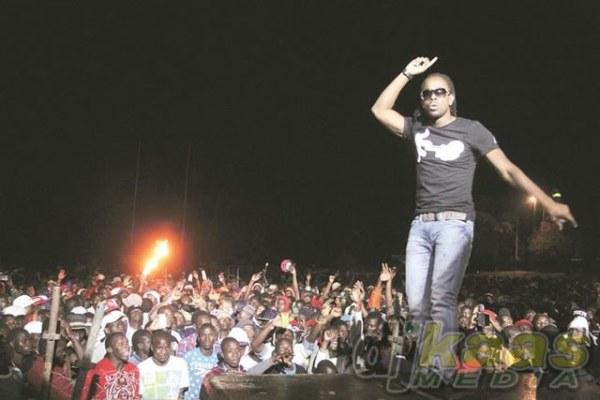 Kalado onstage in Zimbabwe