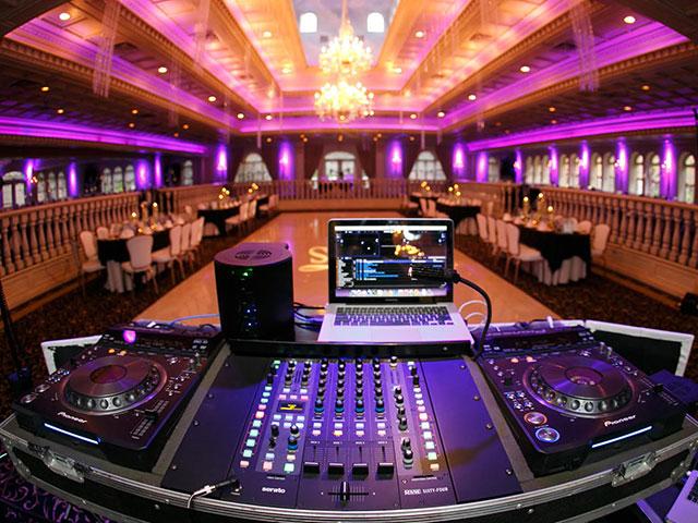 Looking For The Best DJ Nashville TN | Wedding DJ | Event DJ Services