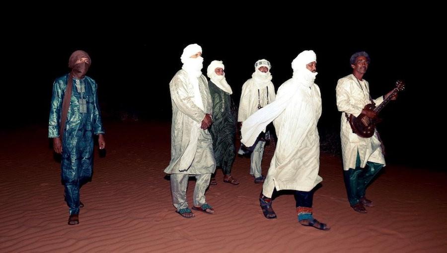 Amadjar, Tinariwen, rock touareg, nouvel album, micah Nelson, Noura Mint Seymali, Taqkal Tarha, musique sahara, mauritanie, mali