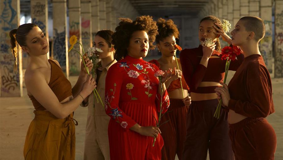 Kolinga, Nguya na ngai, nouveau clip, femme, danse, Raphaelle Renucci, chorégraphie, lingala, chanson, Rebecca MBoungou