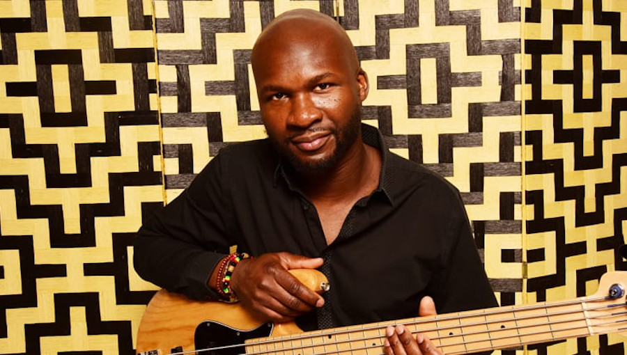 Michael Olatuja, Lagos Pepper Soup, nouvel album, bassiste africain, afrobeat cinematographique, all star, Angelique Kidjo, Dianne Reeves, jazz africain, jazz, Laura Mvula