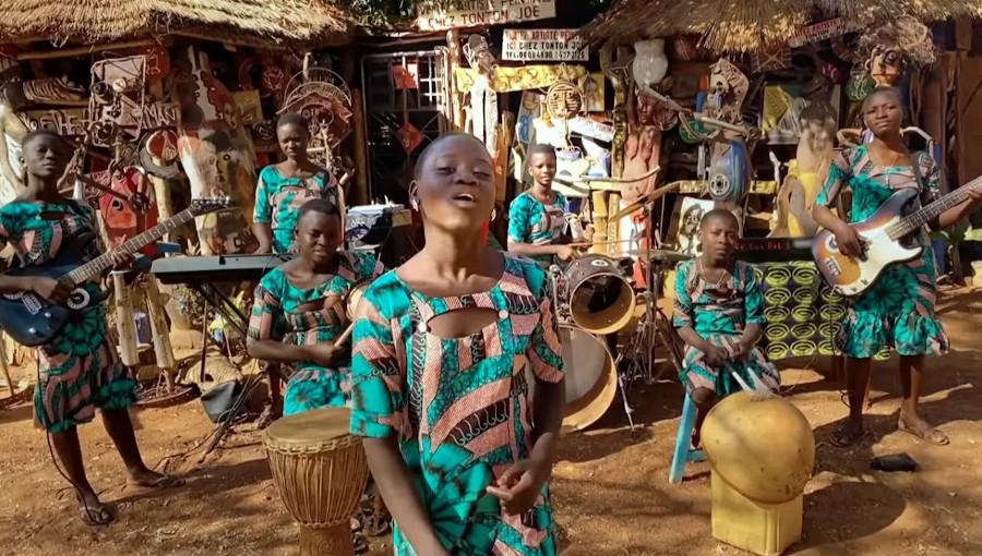 Star Feminine band, Musique béninoise, natitingou, nord du bénin, fille, groupe de fille, André Baleguemon, nouvel album, Born Bad Records