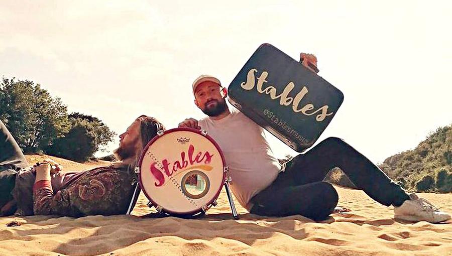 Stables, duo, duo anglais, folk, alt folk, timbuktu, folk britannique, folk alternative, chanson, mali, Matthew Lowe, Daniel Trenholme
