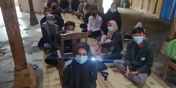 Pengabdian Statistik Oleh Mahasiswa - Pengenalan Statistika Di Desa Planggu Trucuk Klaten