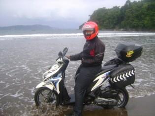 Pantai yg bisa untuk motor / pantai sine