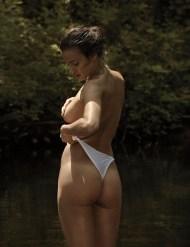 Irina-Shayk-Vman-3