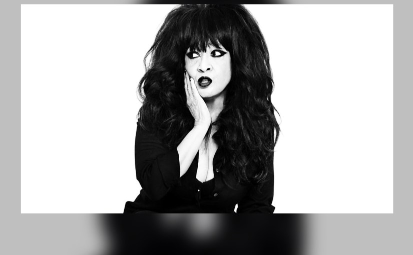 Legendary Ronnie Spector spreads Christmas cheer (and some early Rock n' Roll) in Chicagoland!