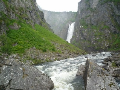 The mighty Voringsfossen