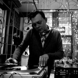 DJ VICCC, ook met vinyl verkrijgbaar