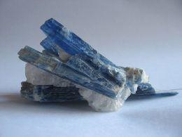 Pal Kyanite_crystals
