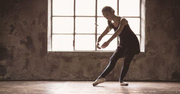 dancer light streaming in