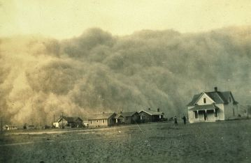 Dust storm approaching Stratford, Texas. NOAA George E. Marsh Collection, public domain via Wikimedia Commons.