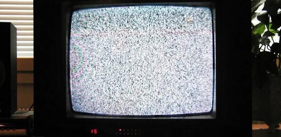 شاشة تلفاز مشوشة