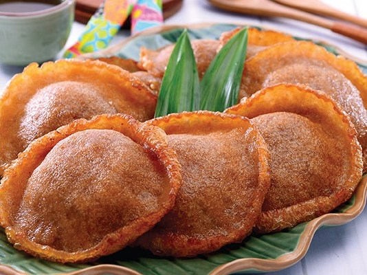 cemilan tradisional Indonesia
