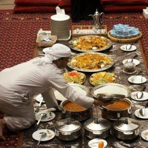 Traditional-Emirai-Lunch.-Cultural-Tour-Old-Dubai