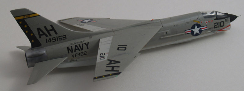 Hasegawa F-8E