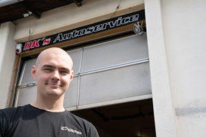 Nicky er ejer og værkføre hos DK's Autoservice