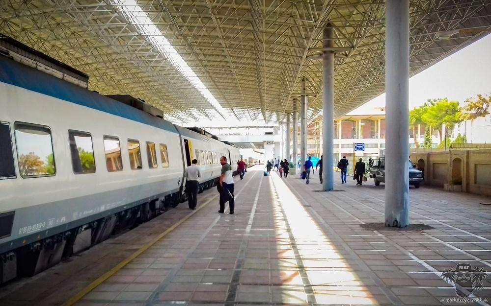 Podróż Życia, Iran, Jazd, peron