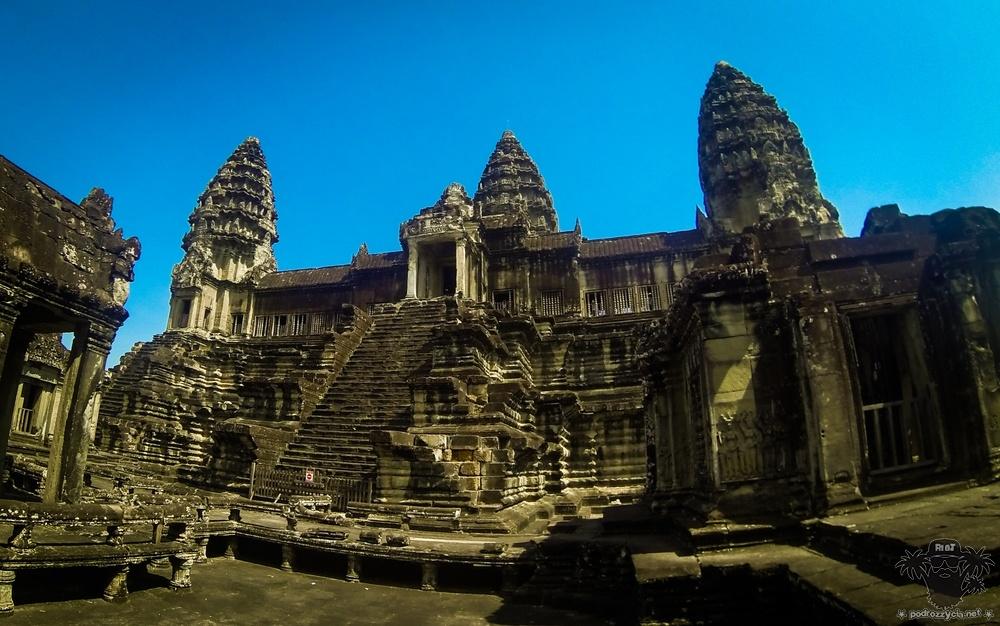 Round The half World, Kambodża, Angkor Wat