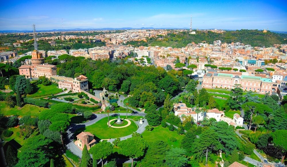 Podróż Życia, Rzym, zieleniec papieski