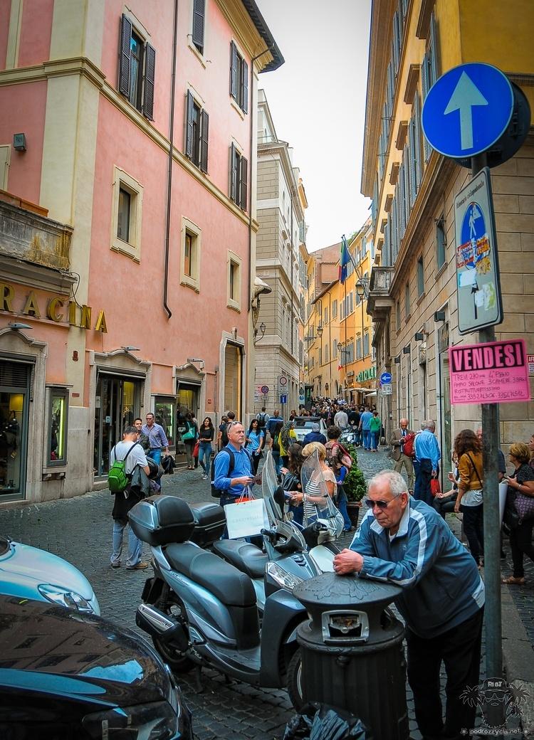 Podróż Życia, Rzym, ruch uliczny