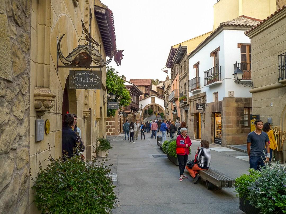 Pueblo Español