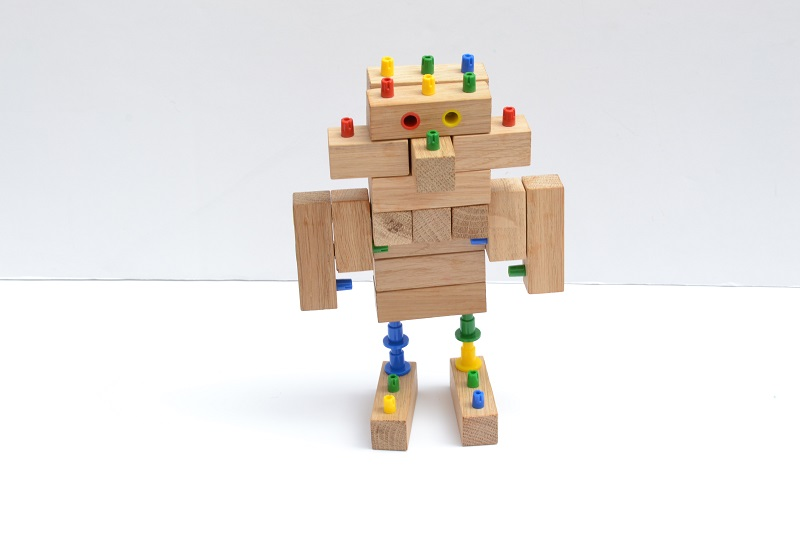 Ollies Wooden Blocks Review- Kids can create fun mobile and static models.