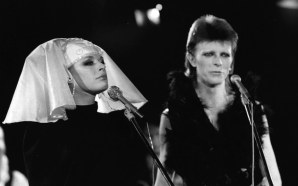 David Bowie duets with Marianne Faithfull on the 1980 Floor Show