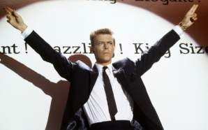 David Bowie performs 'That's Motivation' from Absolute Beginners