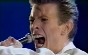 David Bowie performs Rock 'N' Roll Suicide live in Tokyo on the Sound & Vision tour