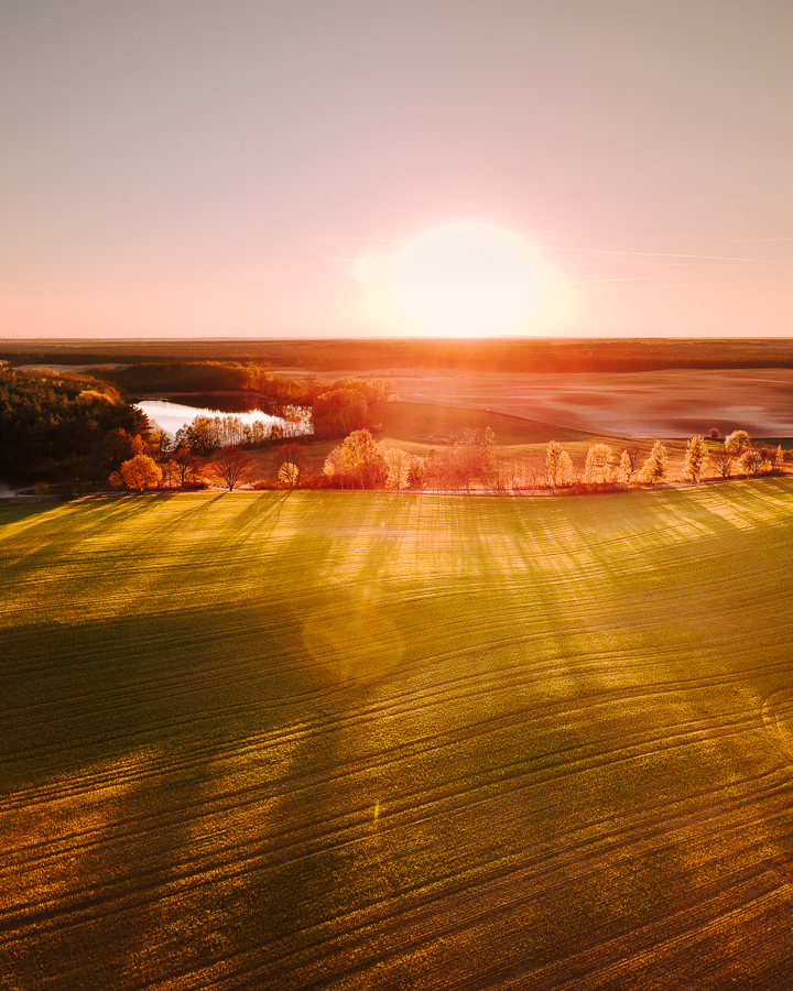 dron zachód słońca