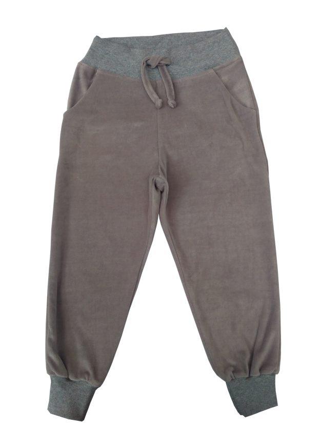calça infantil em plush cinza, com punho e cordão na cintura para regulagem