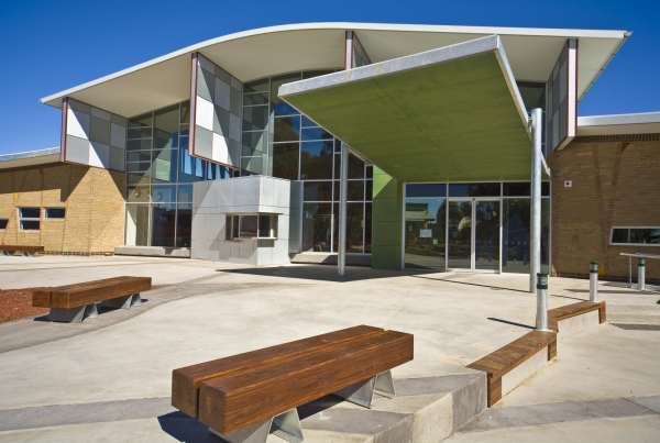 Charles Sturt University - Thurgoona Campus 'Learning Commons Building' - External Glazing